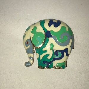 Jewelry - Vintage Elephant pin